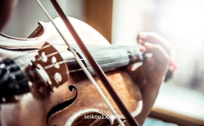 ヴァイオリンの弾き方を学ぶ